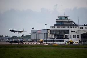 Aluguer de carros Birmingham Aeroporto